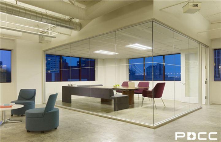 办公室设计中玻璃家具的保养妙招